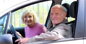 Какие льготы имеют пенсионеры по транспортному налогу, как оформить правильно заявление?