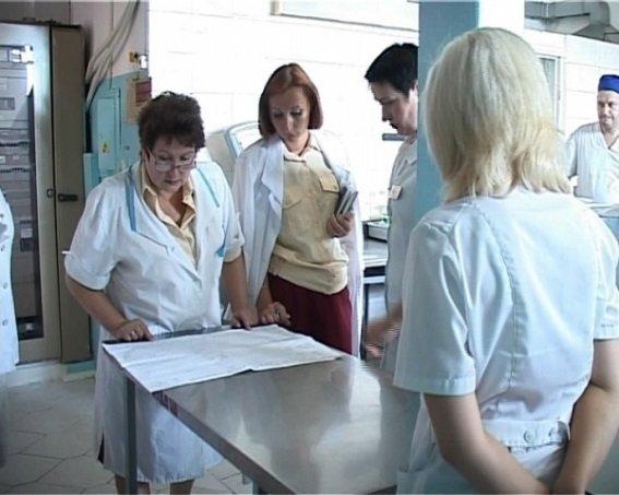 медработник осуществляют проверку сроков пригодности поставок