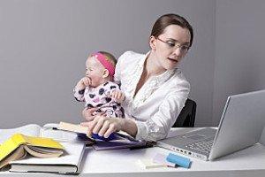 Когда выплачивают декретные на работе и какие документы потребуются для оформления?